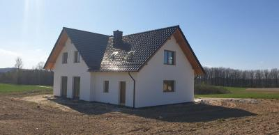 Dom na polu