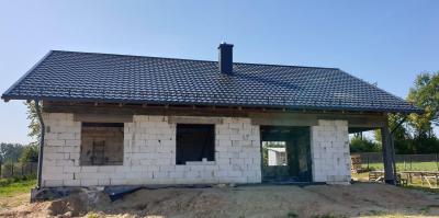 Dom w stanie surowym otwartym